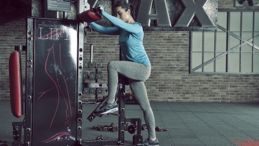 Lever Standing Glute-Hip Kickback tytax s6